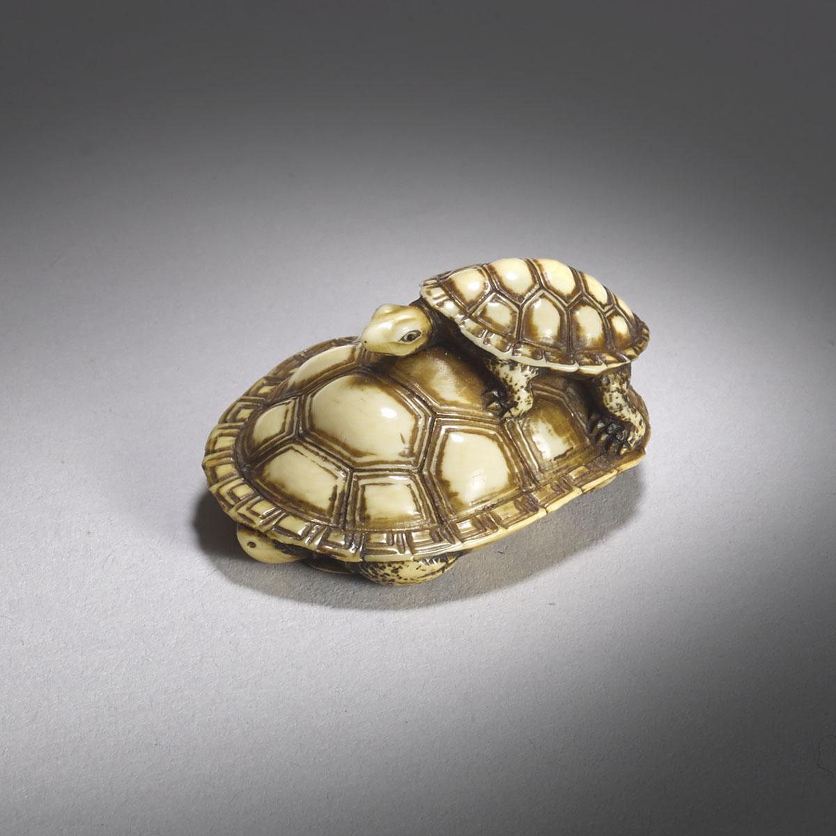 Doraku, ivory netsuke of turtles