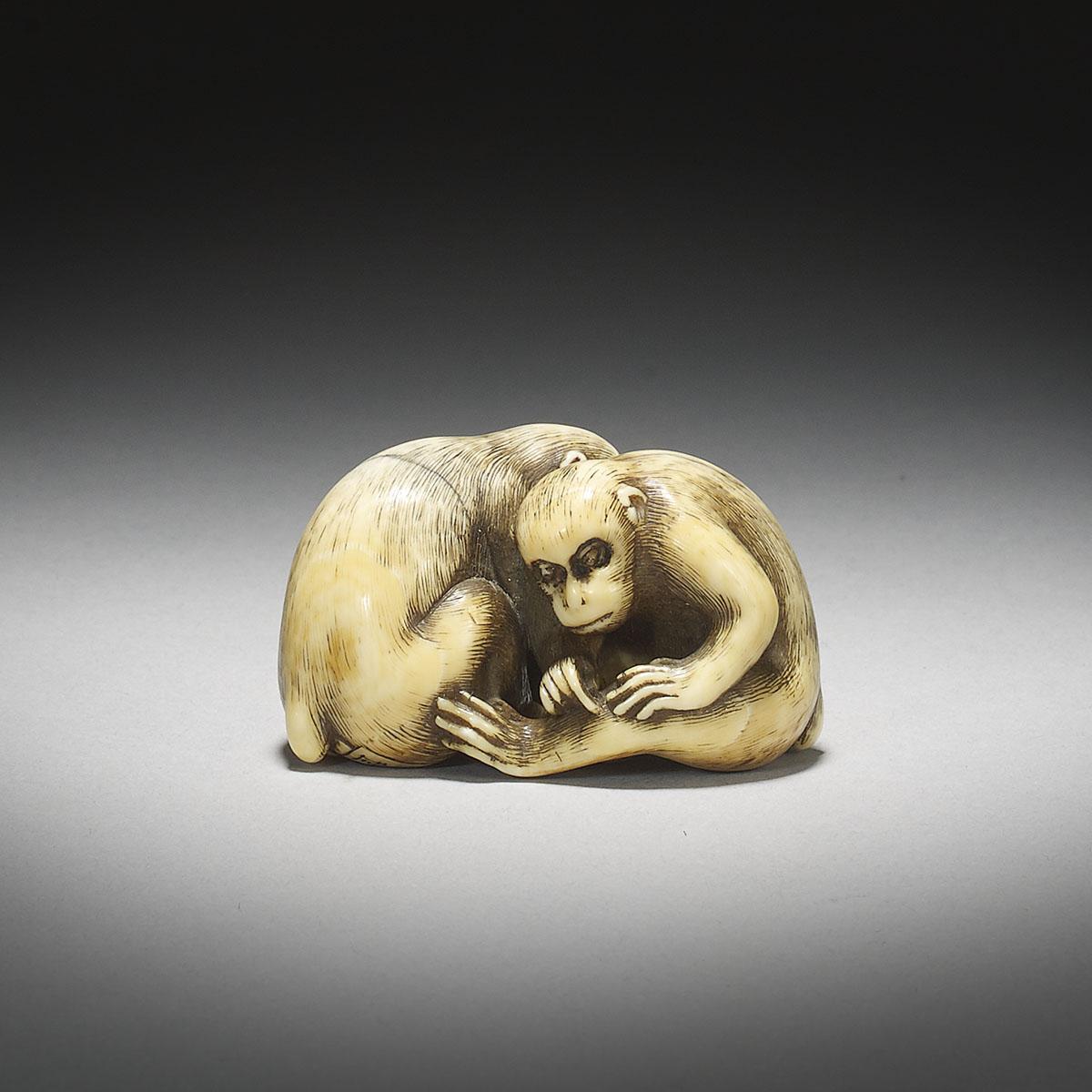 Ivory Netsuke of Two Monkeys by Okatori_MR2912_v1
