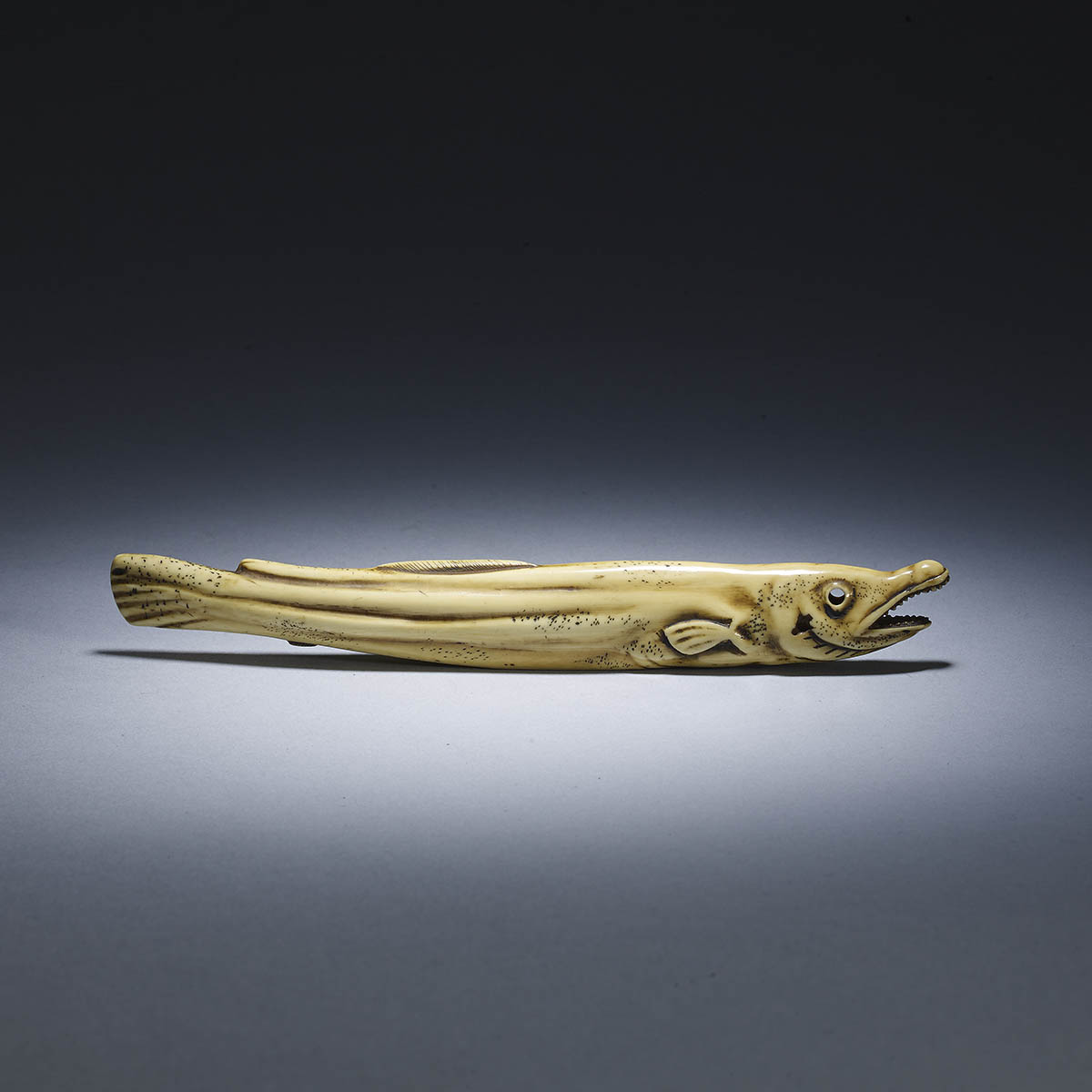 Ivory sashi netsuke of a dried salmon MR2501_v1